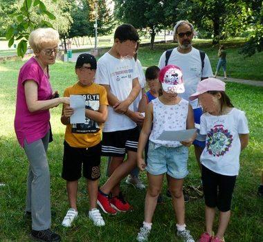 ● 5/07/17 -I bambini di centri estivi al Parco Centrale con i WL per conoscere gli alberi giocando